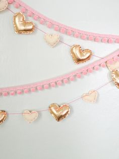 The Alison Show: Heart of Gold Valentine's Day Garland My Funny Valentine, Valentine Special, Saint Valentine, Valentines Day Party, Valentine Day Crafts, Valentine Decorations, Pinterest Valentines, Heart Day, Happy Heart