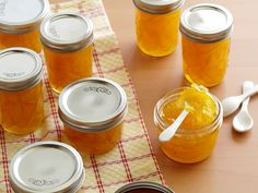 Orange Marmalade recipe from Alton Brown via Food Network . Makes 10 ~ canning jars worth . That's a lot of marmalade Orange Marmalade Recipe, Lemon Marmalade, Lemon Curd, Alton Brown, Jam And Jelly, Oranges And Lemons, Liqueur, Orange Slices, Canning Recipes