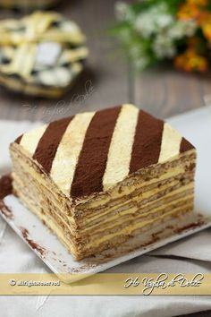 tile-cake with butter cream, cookies, coffee recipe Quick Easy Desserts, Desserts For A Crowd, Mini Desserts, Chocolate Desserts, New Dessert Recipe, Healthy Dessert Recipes, Cake Recipes, Baked Alaska, Sweet Light