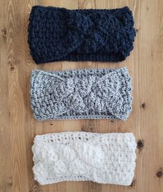 Crochet Ear Warmer Patterns – Keep Warm - A Crafty Life Crochet Ear Warmer Pattern, Crochet Headband Pattern, Crochet Beanie, Crochet Patterns, Knit Headband, Crochet Crafts, Easy Crochet, Crochet Baby, Knit Crochet