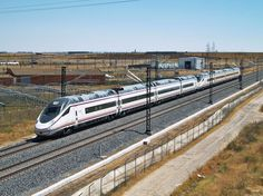 Tren de alta velocidad serie 114, uno de los trenes Avant de Renfe | Suite101