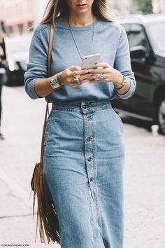 Denim street style at NY Fashion Week Spring/Summer 2016 - Jennifer Neyt look with a denim midi skirt, suede and fringe Denim Fashion, Look Fashion, Winter Fashion, Fashion Outfits, Fashion Tag, Trendy Fashion, Fashion News, Women's Fashion, Fashion Black