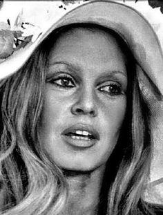 Brigitte Bardot, Bb, Mirror, Mirrors