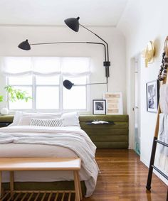 The EHD-Inspired Rooms We Couldn't Wait to Share... Seriously They Are SO GOOD - Emily Henderson Guest Bedroom Decor, Modern Bedroom Decor, Stylish Bedroom, Contemporary Bedroom, Bedroom Décor, Modern Bedrooms, Bedroom Apartment, Apartment Therapy, Bedroom Storage