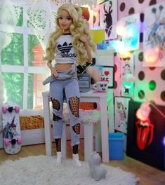 Barbie Top, Barbie Life, Barbie Doll Accessories, Doll Clothes Barbie, Dolly Fashion, Fashion Dolls, Juste Zoe, Barbie Bedroom, Barbies Pics