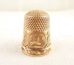 Size 8 Antique Victorian 14K Gold Thimble with Ornate Building Engravings