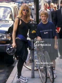 News Photo: Actress Goldie Hawn and son Wyatt Russell break… Goldie Hawn Kurt Russell, Doctors Note Template, Bike News, Barbra Streisand, Mother Son, Kate Hudson, Celebs, Celebrities, Vintage Pictures