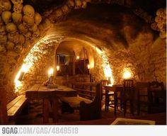 Awesome Medieval Tavern in Prague aaaaa this is awesome !!! Φαγητό και καλή μεσημεριανή Siesta