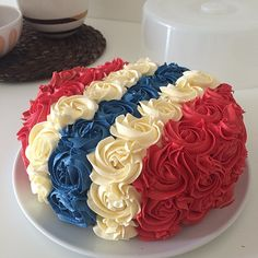 Nice cake for 17 Mai Pretty Cakes, Cute Cakes, Nautical Cake, 4th Of July Cake, American Cake, Norwegian Food, Scandinavian Food, Types Of Cakes, Pastry Cake