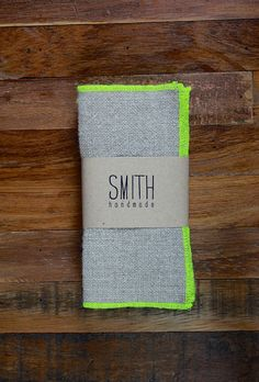 these neon linen cocktail napkins make me want to throw a party!