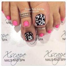 Summer nail designs/pink nails Fabulous Nails, Gorgeous Nails, Love Nails, Pink Nails, Pretty Nails, Toe Nail Designs, Beautiful Nail Designs, Nail Shop, Toe Nail Art