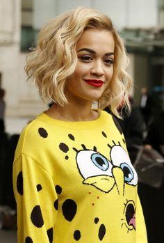Rita Ora Beschnitten Abgehackt Bob Frisur für Dicke Haare