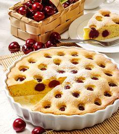 Einfache und leckere Torten- und Kuchenrezepte: Versunkener Kirschkuchen - Zubereitung des Rezepts: Kirschen waschen, entstielen und entsteinen. Sonnenblumenöl, Zucker ...