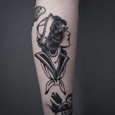 Clean And Classic Traditional Tattoos By Tony Nilsson Sailor Girl Tattoo von Tony Nilsson SailorGirl traditionelle Tätowierungen TonyNilsson Marine Tattoos, Navy Tattoos, Head Tattoos, Trendy Tattoos, Black And Grey Tattoos, Body Art Tattoos, Tattoos For Women, Sleeve Tattoos, Tattoo Girls