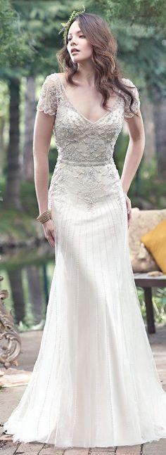 Vintage Wedding Gowns with Geometric Details - Amal wedding dress by Maggie Sottero #vintageweddingdress #vintagebride #bridalstyle #2017weddingdresstrend #2018weddingdress
