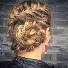 It's #fishtailfriday ! Messy #frenchfishtail into a messy #fishtailbun #perjantaikampaus . . Fun upcycled pencil #earrings by @rokrokinc ✏️✏️ . #braiding #braidinghair #kalanruotoletti #braidideas #instabraids #fishtailbraid #lettikampaus #hairdo #hairstyles #peinados #plaitedhair #suomiletit #updo #featuremeisijatytot #featureaccount_ #braidinginspiration #inspirationalbraids #cghphotofeature #see_your_braids