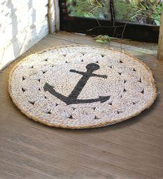 Round Anchor Rush Grass Rug. #anchors
