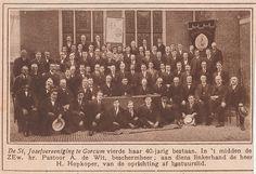 St. Jozefvereniging 40-jarig jubileum met pastoor A. de Wit en H. Hopkoper   by Barry van Baalen