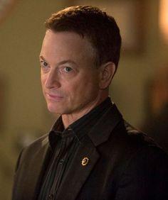 """Le lieutenant Mac Taylor est un des personnages principaux de la série """"Les Experts : Manhattan"""". Il mène de façon brillante ses enquêtes dans le centre-ville de New York. Côté cœur, c'est plus calme."""