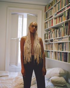 Singer, Solange poses topless, covers her modesty with her new blonde braided hairdo Solange Knowles, Black Girls Rock, Black Girl Magic, My Black Is Beautiful, Beautiful People, Solange Braids, Curly Hair Styles, Natural Hair Styles, Blonde Braids