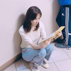 Snsd, Seohyun, South Korean Girls, Korean Girl Groups, Forever Young, Girls Generation, Kpop Girls, Asian Girl, Mom Jeans