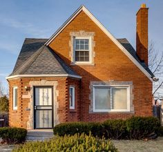 This grand two-story single-family brick bungalow on Bringard was built in 1941. The home is 1,175 square feet, with a main floor and basement, and rests on a 4,356-square-foot lot. Other features include a detached one-car garage and fireplace.  #realestate #realestateinvesting #Detroit #investmentproperty #home #rentalhome #property #passiveincome #turnkey