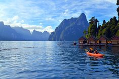 Discovering Cheow Larn Lake in Khao Sok National Park on an ecotourism excursion. Nice! Peaceful and relaxing!