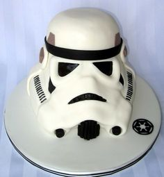 Awesome Stormtrooper Helmet Cake (via @Between The Pages)