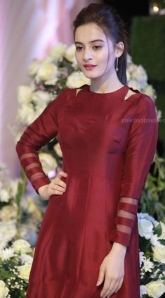 Simple Kurta Designs, Kurti Neck Designs, Kurti Designs Party Wear, Beautiful Dress Designs, Beautiful Dresses, Nice Dresses, Summer Dresses, Indian Gowns Dresses, Indian Fashion Dresses