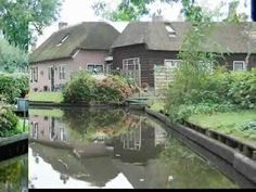 Giethoorn ... The Venice of Holland  I want to visit!