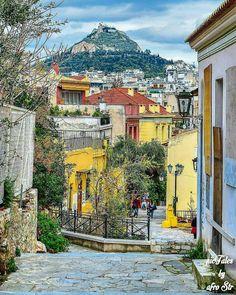 1,168 vind-ik-leuks, 10 reacties - Greek + Blue ™ (@greek_blue) op Instagram: 'View to Lycabettus From Plaka Under Acropolis . By @pictales.gr @Wonderful.Greece…'