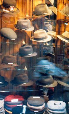 Sombreros... donde se esconden las ideas.