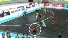 Fútbol Sala: El brutal regate de Ricardinho para humillar a su rival... ¡le mandó a 'patinar'! | http://www.marca.com/futbol/futbol-sala/2017/04/28/5903716de5fdeabf4f8b45a8.html