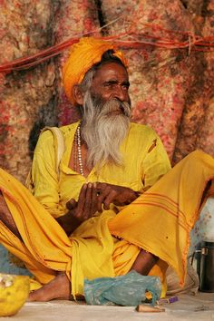 Sadhu living in India People Around The World, We The People, Sri Lanka, Life Is Beautiful, Beautiful People, Namaste, Mother India, Indus Valley Civilization, Living On The Road