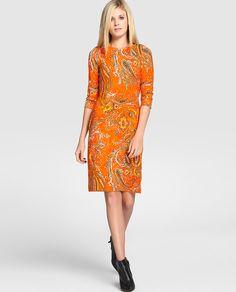 Vestido naranja con estampado de cachemires