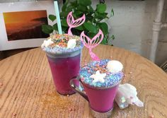 This warm weather-ready drink is about to replace your unicorn latte Superfood Recipes, Vegan Recipes, Snack Recipes, Snacks, Juice Drinks, Healthy Drinks, Healthy Food, Liquid Luck, Unicorn Foods