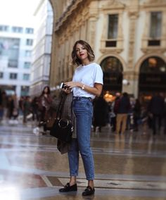 Read our wrap-up concerning the right way to wear heels by using denim for almost every style of denim you possess. Looks Street Style, Looks Style, Style Me, Trendy Style, Hair Style, Everyday Outfits, Everyday Fashion, Look Fashion, Fashion Outfits