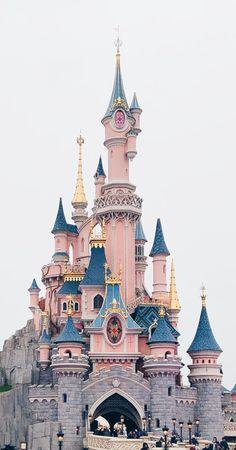 Disneyland paris winter 2018 phone wallpaper в 2019 г. Paris Winter, Disney Phone Wallpaper, Iphone Wallpaper, Wallpaper Quotes, Trendy Wallpaper, Cute Wallpapers, Disney Tapete, Photo Images, Disney Aesthetic