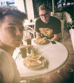 Georg and Gustav: just as cute as Bill and Tom >w<