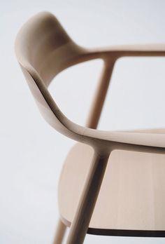 HIROSHIMA CHAIR by Naoto Fukasawa x Maruni (via the absolute DESIGN blog…)