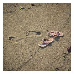 Odd Molly | SS15 | Roadtrip | Flip flops on the beach | www.oddmolly.com