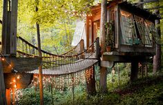 This quiet treehouse is nestled among trees in a small neighborhood of Atlanta, Georgia.