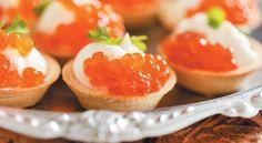 Et si vous prépariez l'apéritif avec vos enfants ce soir ? Voici une recette facile de tartelettes aux oeufs de saumon pour se régaler en famille.