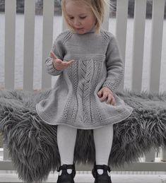 Snart 😄🇳🇴 Kanskje Jeg Er Så He Jentestrikk - Knit Dress - Best Knitting Knitting For Kids, Baby Knitting Patterns, Knitting Designs, Baby Girl Dresses, Baby Dress, Flower Girl Dresses, Baby Girl Fashion, Kids Fashion, Girls Knitted Dress