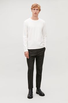 Explore the menswear sale: a selection of modern men's clothing and accessories now available for less in our latest sale. Color Khaki, Khaki Green, Cos Man, Mens Modern Clothing, Cheap Mens Fashion, Small Wardrobe, Indie Fashion, White Shirts, Modern Man
