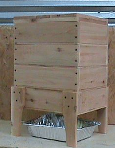 Ooooo a wooden worm bin. Red Worms, Worm Farm, Worm Composting, Cold Frame, Living Off The Land, Hobby Farms, Gardening Supplies, Farm Gardens, Garden Planning