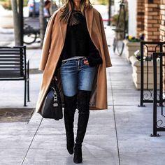 Comment porter un manteau camel en hiver >> http://www.taaora.fr/blog/post/tenue-hiver-manteau-camel-pull-cotele-noir-bottes-hautes-cuissardes-noires-daim