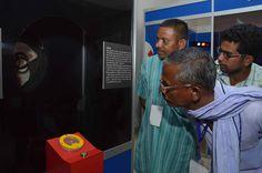 छत्तीसगढ़ साइंस सेंटर, ज्ञान-विज्ञान का स्त्रोत, जहाँ महान वैज्ञानिकों के प्रयोगों को आसानी से समझा जा सकता है. सूरजपुर जिले के पंचायत प्रतिनिधियों ने यहाँ ब्लास्ट फरनेस, जादुई नल का पानी समेत अनेक प्रयोगों को माडल के माध्यम से देखा. बस्तर की संस्कृति, वाद्य यंत्रों को देखकर वे बेहद हर्षित हुए.
