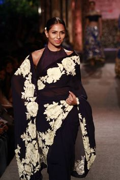 #Fashion #Runway #FashionWeek #Style #Black #White #Elegant #Makeup #Sheer #Sari #Embroidery