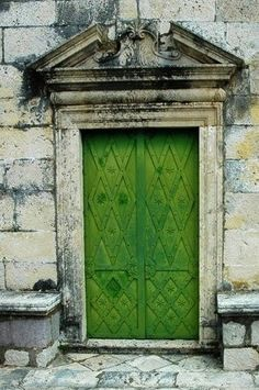Green door ~     . It's about more than golfing,  boating,  and beaches;  it's about a lifestyle! www.PamelaKemper.com KW homes for sale in Anna Maria island Long Boat Key Siesta Key Bradenton Lakewood Ranch Parrish Sarasota Manatee
